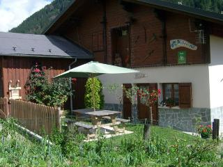 Cozy 2 bedroom Gite in Hauteluce with Internet Access - Hauteluce vacation rentals