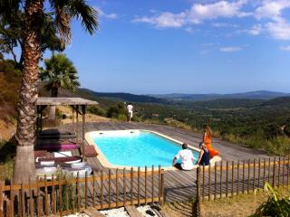 Bright 4 bedroom B&B in Grimaud with Garden - Grimaud vacation rentals
