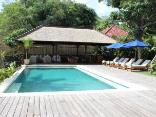 Beautiful Absolute Beachfront Villa - Nusa Lembongan vacation rentals