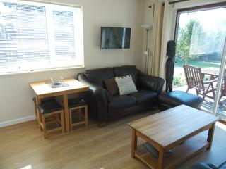 Charming Cottage with Deck and Kettle - Rhos-on-Sea vacation rentals