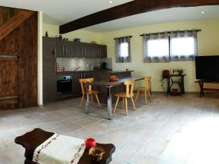 Grand Appartement 4pers. Tout Equipé - Houssen vacation rentals