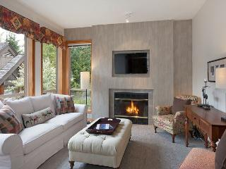 Painted Cliff #31 | 1 Bed + Den Ski In/Ski Out Townhome, Common Area Hot Tub - Whistler vacation rentals