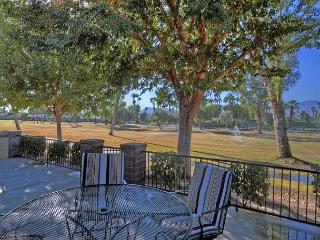 2BR/2BA Palm Desert Country Club House Rental with Resort Amenities, Sleeps 4 - Palm Desert vacation rentals