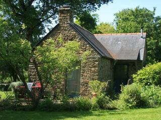 """""""la maison du jardinier""""au Pont Ricoul en Bretagne - Saint-Pierre-de-Plesguen vacation rentals"""