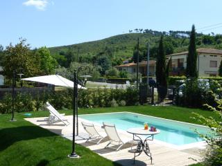 Le Rondini up to 6 person with private pool - San Leonardo in Treponzio vacation rentals
