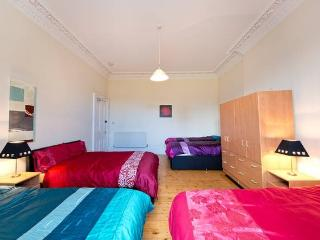 Very Large Private Bedroom in City Centre - Edinburgh vacation rentals