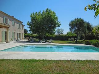 Mas des Esterelles - Cabrieres-d'Avignon vacation rentals