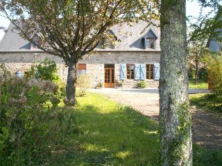 4 bedroom Gite with Short Breaks Allowed in Sourdeval - Sourdeval vacation rentals
