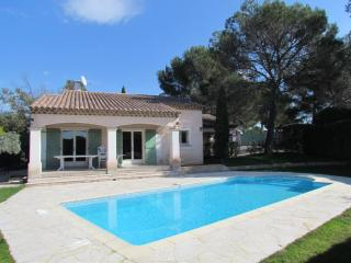 4 bedroom Villa with A/C in Roquebrune-sur-Argens - Roquebrune-sur-Argens vacation rentals