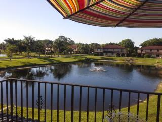 Beautiful Townhouse directly faced to the Lake - Bonita Springs vacation rentals