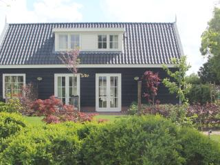 2 bedroom Cottage with Internet Access in Hazerswoude Dorp - Hazerswoude Dorp vacation rentals