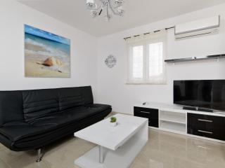 Perfect 2 bedroom Condo in Supetar - Supetar vacation rentals