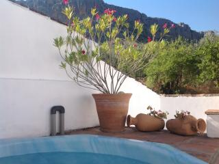 Lovely 2 bedroom Montejaque Cottage with Internet Access - Montejaque vacation rentals