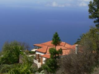 Vacation Villa Landhaus Tijarafe - Tijarafe vacation rentals