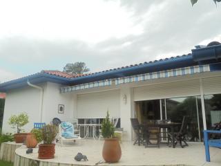 villa proche océan et golf à anglet près BIARRITZ - Anglet vacation rentals