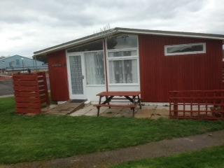 2 bedroom Chalet with Internet Access in Barton-on-Sea - Barton-on-Sea vacation rentals