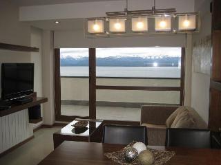 Terrazas del lago 2 SZ con terraza y pileta - San Carlos de Bariloche vacation rentals