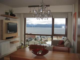 Terrazas del lago 2 con pileta BB - San Carlos de Bariloche vacation rentals