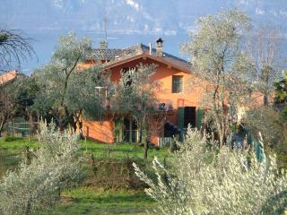 Cozy 2 bedroom Farmhouse Barn in Lierna with Internet Access - Lierna vacation rentals