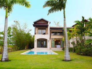 Beautiful Townhouse Villa sleeps 10 - La Romana vacation rentals