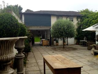 1 bedroom Guest house with Internet Access in Old Windsor - Old Windsor vacation rentals