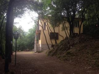 Casa vacanze monteluco - Monteluco vacation rentals