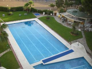 Lower lift to the beach !! - Salou vacation rentals