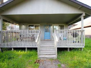 CABIN AT THE BEACH ~ MCA# 1263 ~ Family home walkable to the beach and town!! - Manzanita vacation rentals