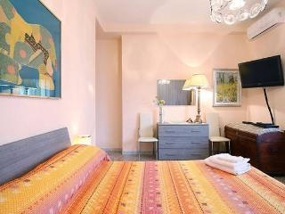 "BestPrice - ""Roma&You"" - Vatican city - Subway - Rome vacation rentals"