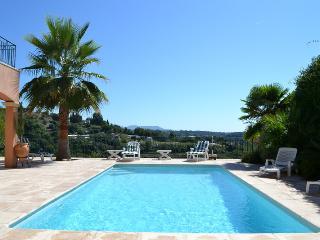 Villa OPHRYS 5*, climatisée, piscine chauffée. - Saint-Paul-de-Vence vacation rentals