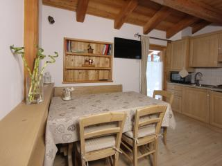 2 bedroom Gite with Television in Rabbi - Rabbi vacation rentals