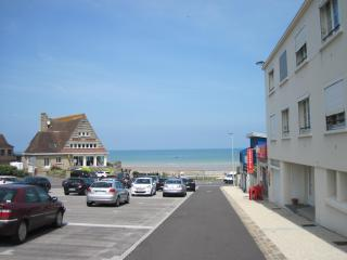 Nice Condo with Short Breaks Allowed and Kettle - Vierville-sur-Mer vacation rentals