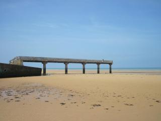Nice Condo with Television and DVD Player - Vierville-sur-Mer vacation rentals