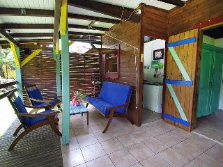 "KAZ KAYOU , bungalow  ""GWAN THAZAR"" - Bouillante vacation rentals"