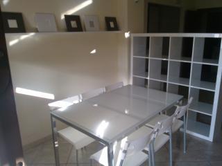 Bright 2 bedroom Monteroni di Lecce Apartment with Balcony - Monteroni di Lecce vacation rentals