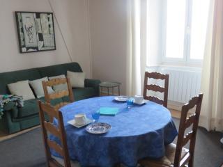 Appartement vue mer Maison de caractère - Saint-Quay-Portrieux vacation rentals