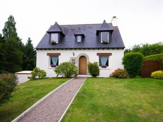 4 bedroom House with Internet Access in Guermeur - Guermeur vacation rentals