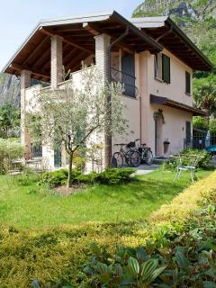 2 bedroom B&B with Internet Access in Oliveto Lario - Oliveto Lario vacation rentals