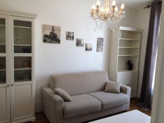 2 pièces calme centre villemétro et RER - Vincennes vacation rentals