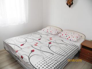 Apartment 2 + 1 people - (114) - Pula vacation rentals