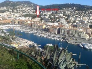Elegant Flat in Nice Port FREE Parking & Wifi - Nice vacation rentals