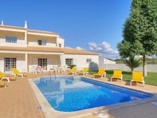 Charmander Yellow Villa, Albufeira, Algarve - Branqueira vacation rentals