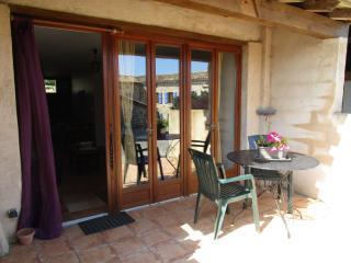 Peyrecout - Les Soulières 1bedroom 2people1child - Cordes-sur-Ciel vacation rentals