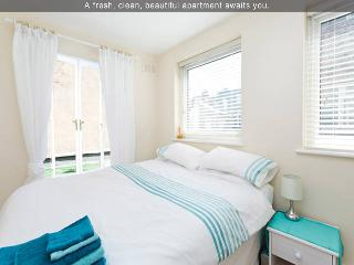 Comfy & Easy For Central London-2BR Apartment - London vacation rentals