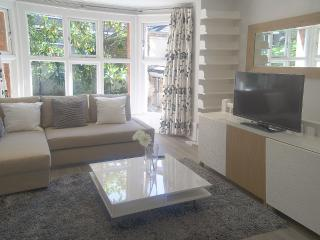 Modern 2 | 3 Bed Apartment in Waterloo#BH2450 - London vacation rentals
