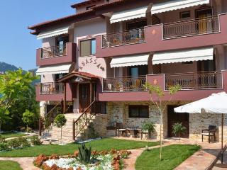 Bright 21 bedroom Apartment in Skala Potamia - Skala Potamia vacation rentals