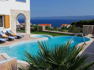 4 bedroom Villa with Internet Access in Bol - Bol vacation rentals