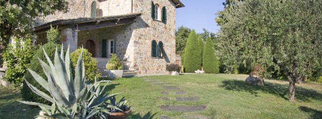 Broccolo | Rent Villas in Italy - Image 1 - Lucca - rentals