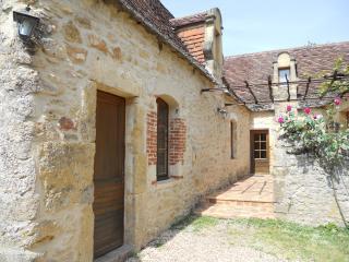 Nice 4 bedroom Beynac-et-Cazenac Gite with Dishwasher - Beynac-et-Cazenac vacation rentals