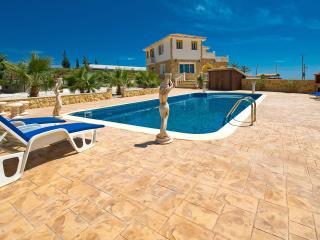 Luxury villa, large gardens, sleeps 8, gym, games - Protaras vacation rentals